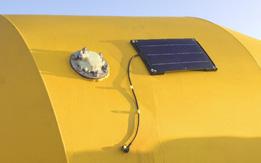 Detail B: Panel Surya. Panel Surya mensuplai baterai untuk waktu 3 hari kerja.